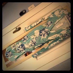 Beautiful blue floral Yumi Kim maternity dress—L